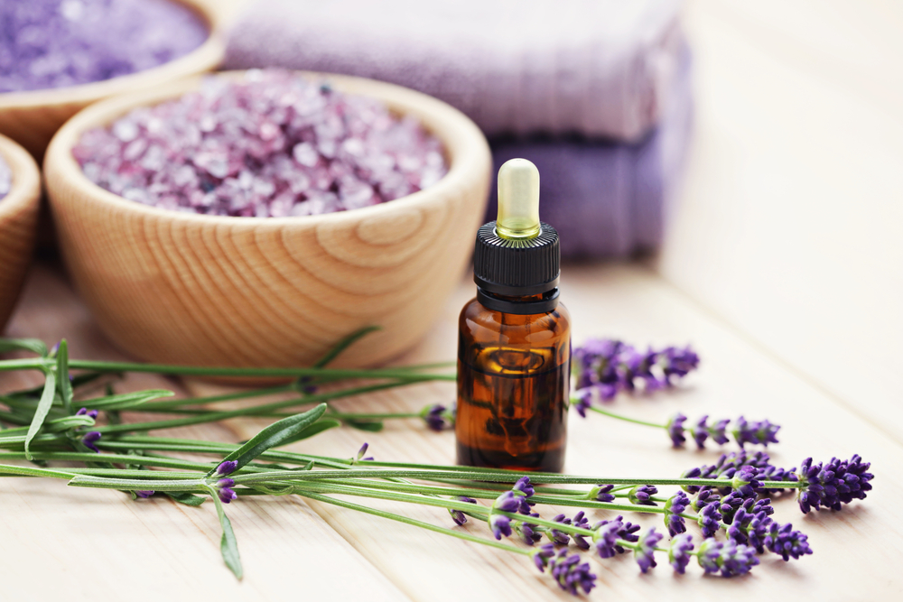 Genial ... Aromatherapy Is Done Using Essential Oils That Are Derived From Plant  Materials. These Scents Have Shown To Have A Positive Impact On A Personu0027s  Health ...